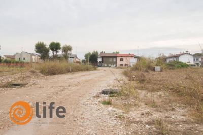 Terreno edificabile in Vendita a Caldogno