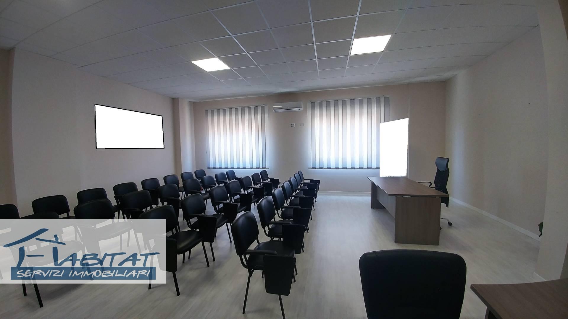 Ufficio / Studio in affitto a Agrigento, 9999 locali, zona Zona: Centro, prezzo € 60.000 | CambioCasa.it