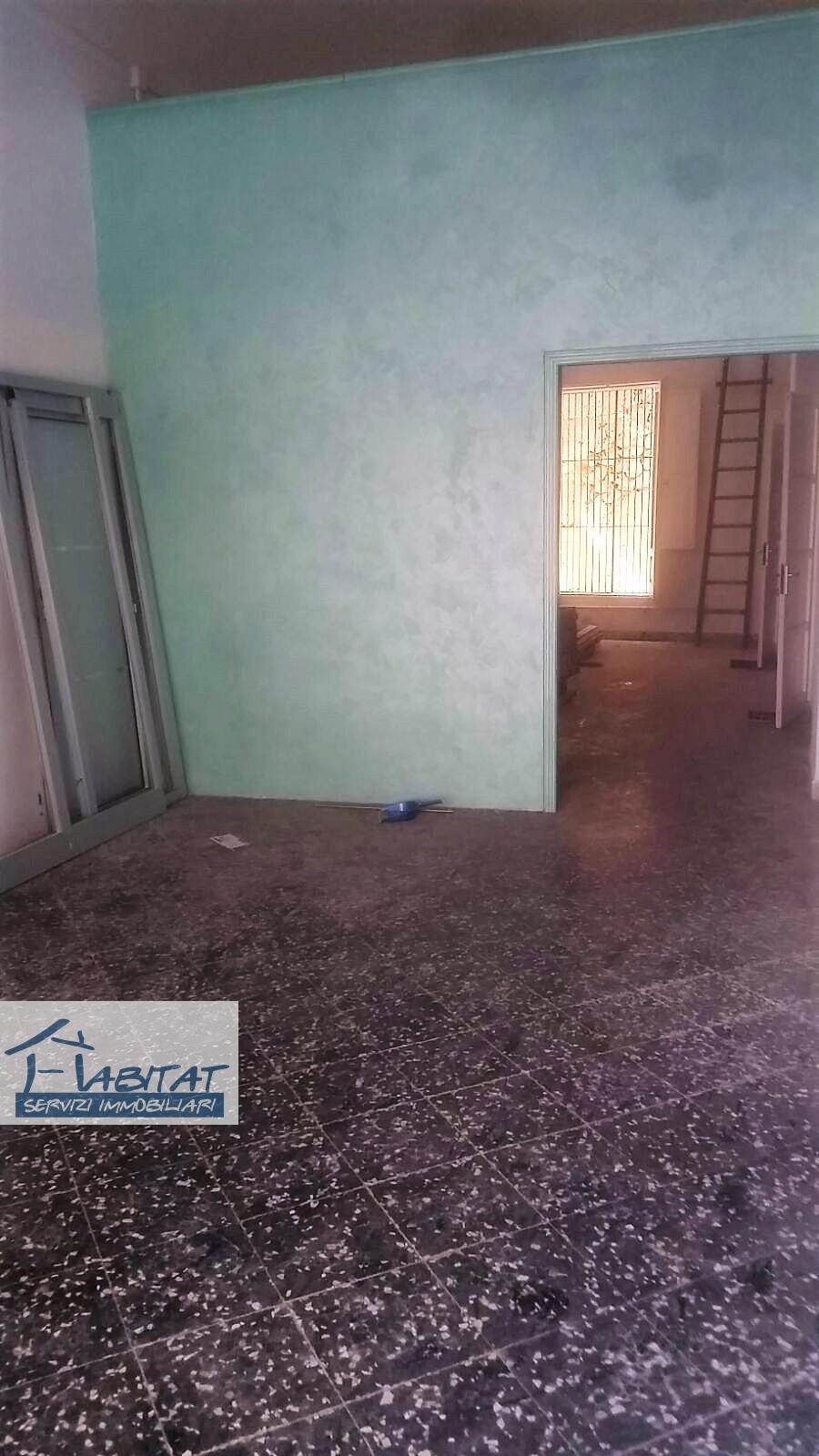 Magazzino in vendita a Agrigento, 1 locali, zona Zona: Centro, prezzo € 80.000 | CambioCasa.it