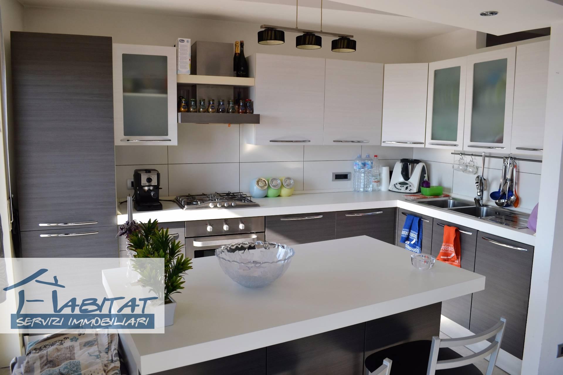Appartamento in vendita a Agrigento, 5 locali, zona Località: VillaggioMosè, prezzo € 85.000 | PortaleAgenzieImmobiliari.it