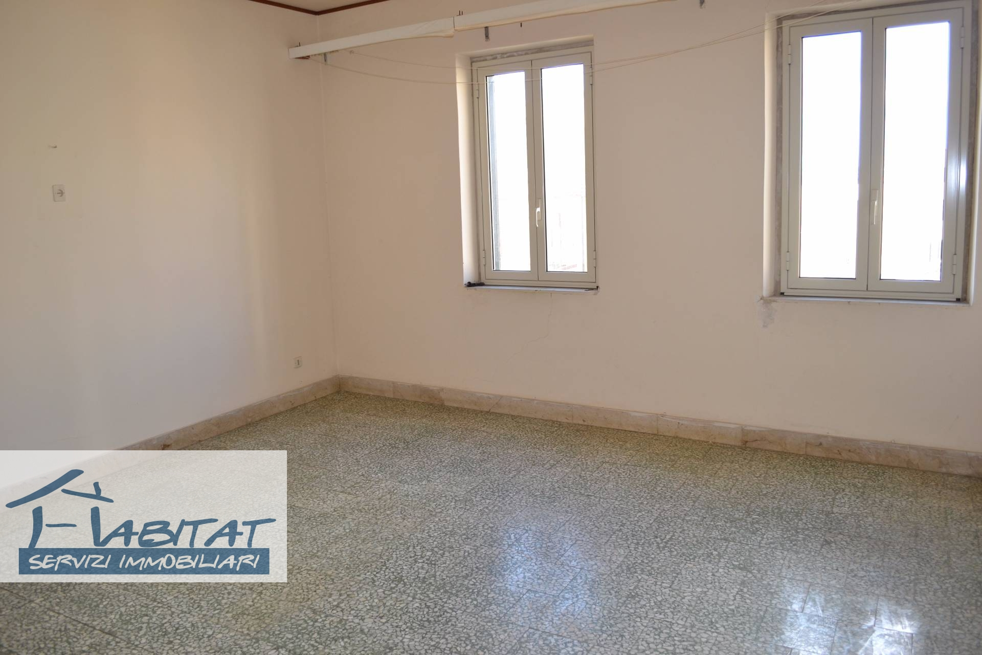Appartamento in vendita a Agrigento, 5 locali, zona Zona: Centro, prezzo € 45.000 | CambioCasa.it