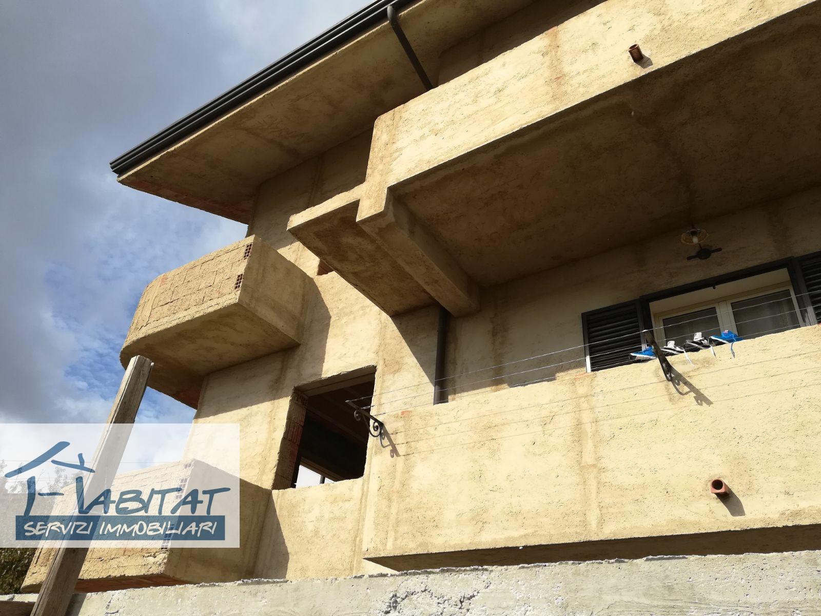 Villa in vendita a Aragona, 8 locali, zona Zona: Caldare, prezzo € 69.000 | CambioCasa.it