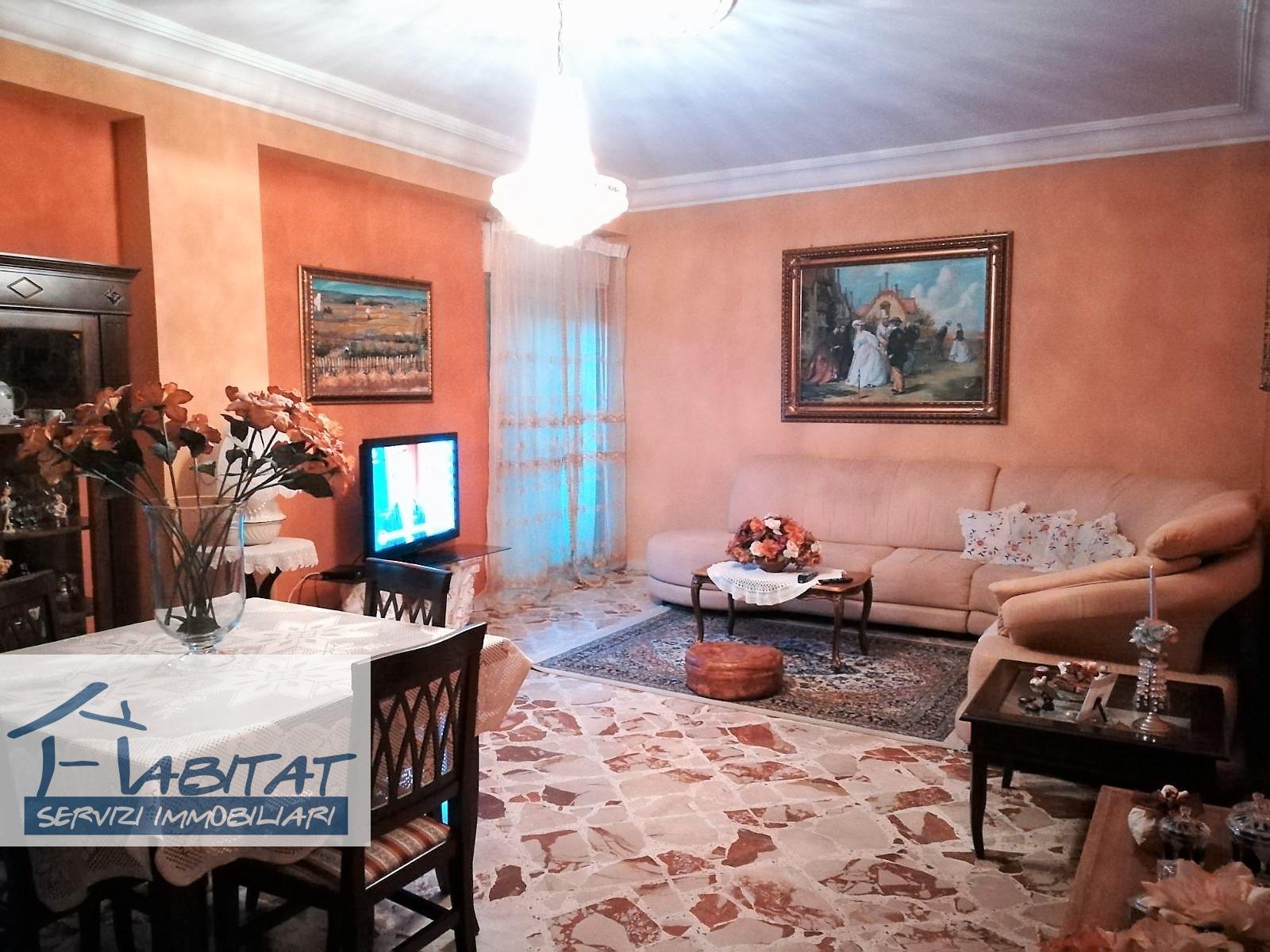 Appartamento in affitto a Agrigento, 4 locali, zona Zona: Centro, prezzo € 70.000 | CambioCasa.it
