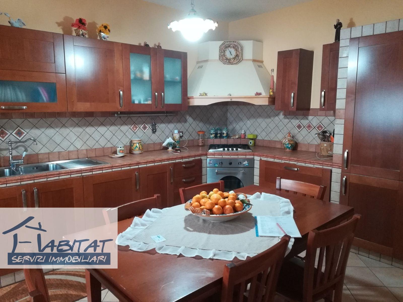 Appartamento in affitto a Agrigento, 5 locali, zona Zona: Fontanelle, prezzo € 135.000 | CambioCasa.it