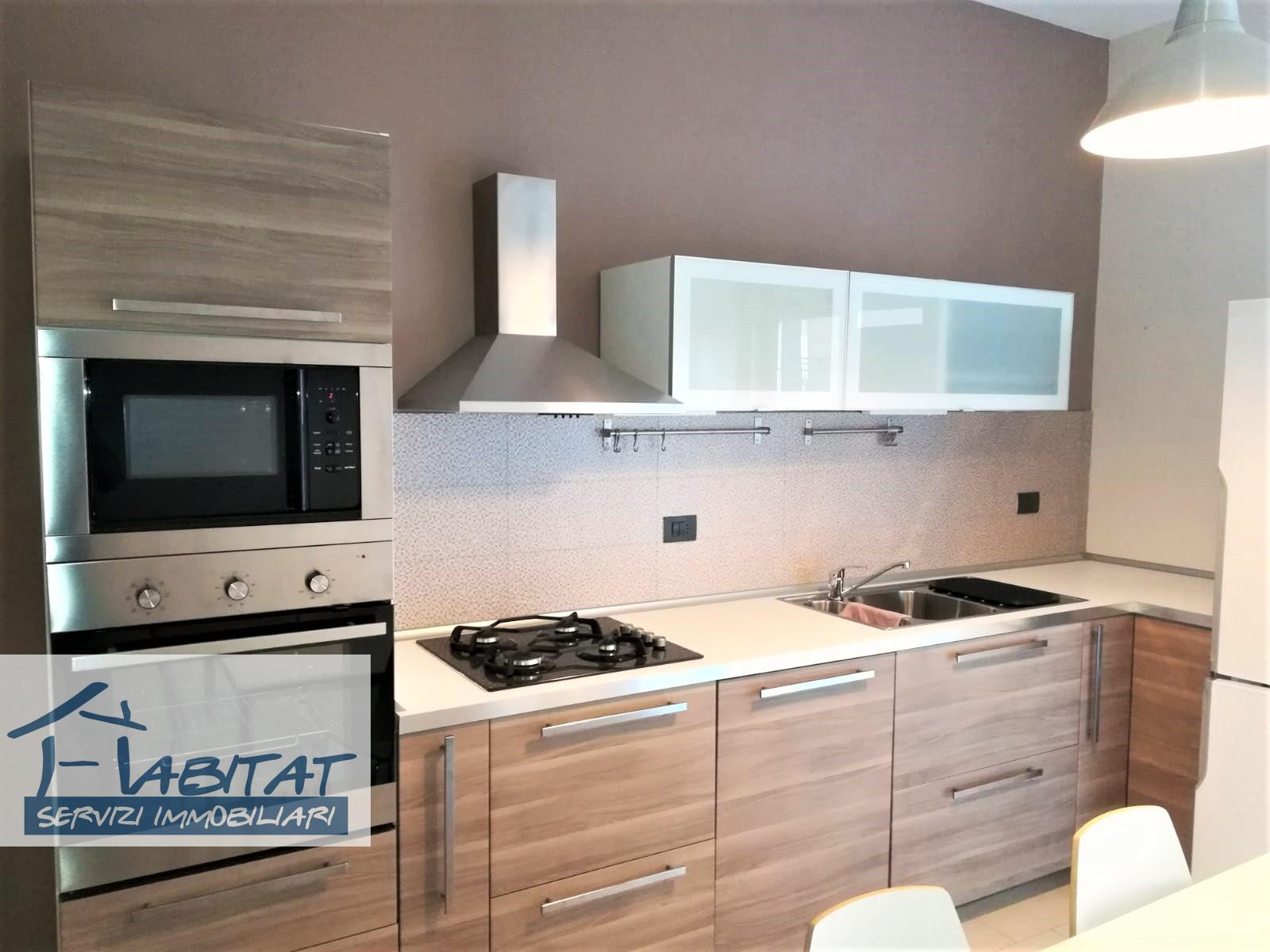 Appartamento in affitto a Agrigento, 3 locali, zona Zona: Sangiusippuzzo, prezzo € 350 | CambioCasa.it