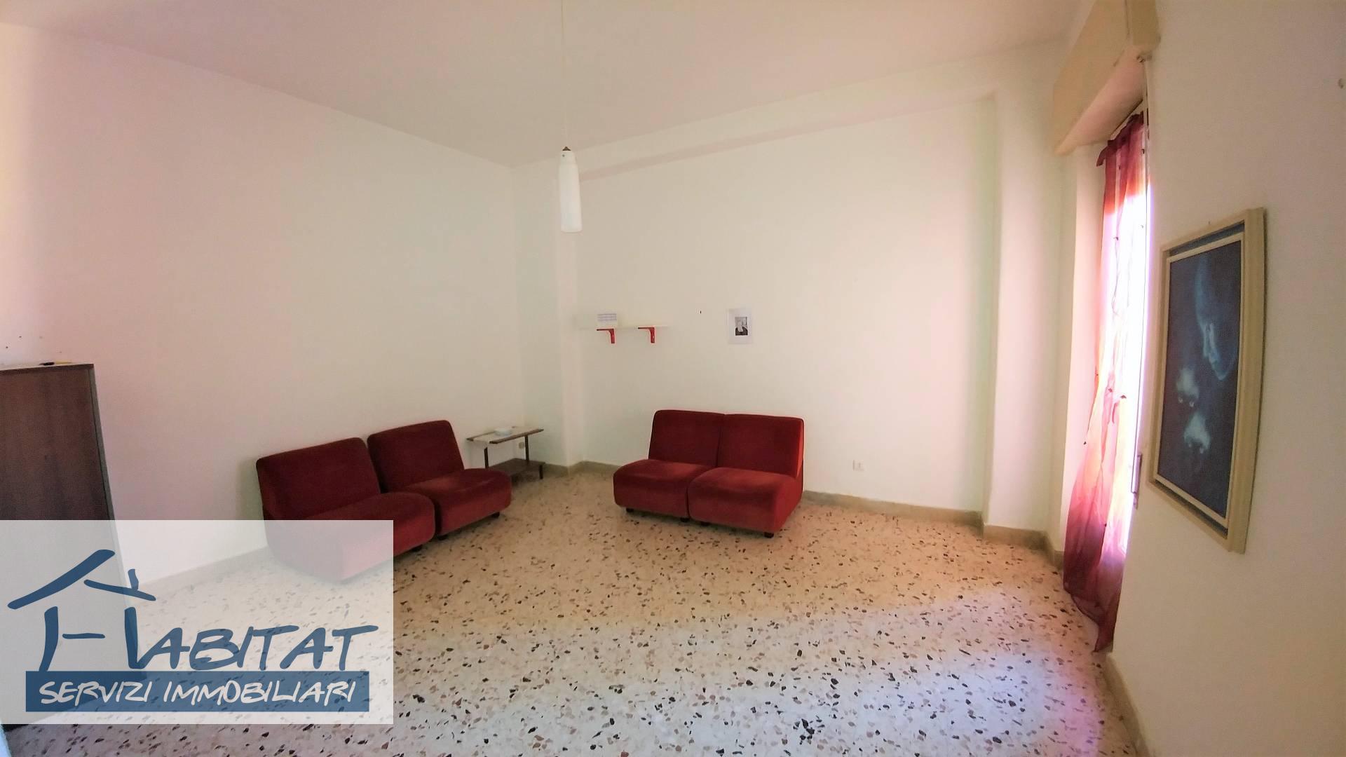 Appartamento in vendita a Agrigento, 5 locali, zona ro, prezzo € 70.000 | PortaleAgenzieImmobiliari.it