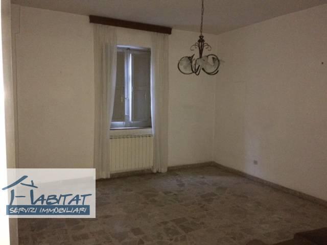 Appartamento in vendita a Agrigento, 4 locali, zona ro, prezzo € 60.000 | PortaleAgenzieImmobiliari.it