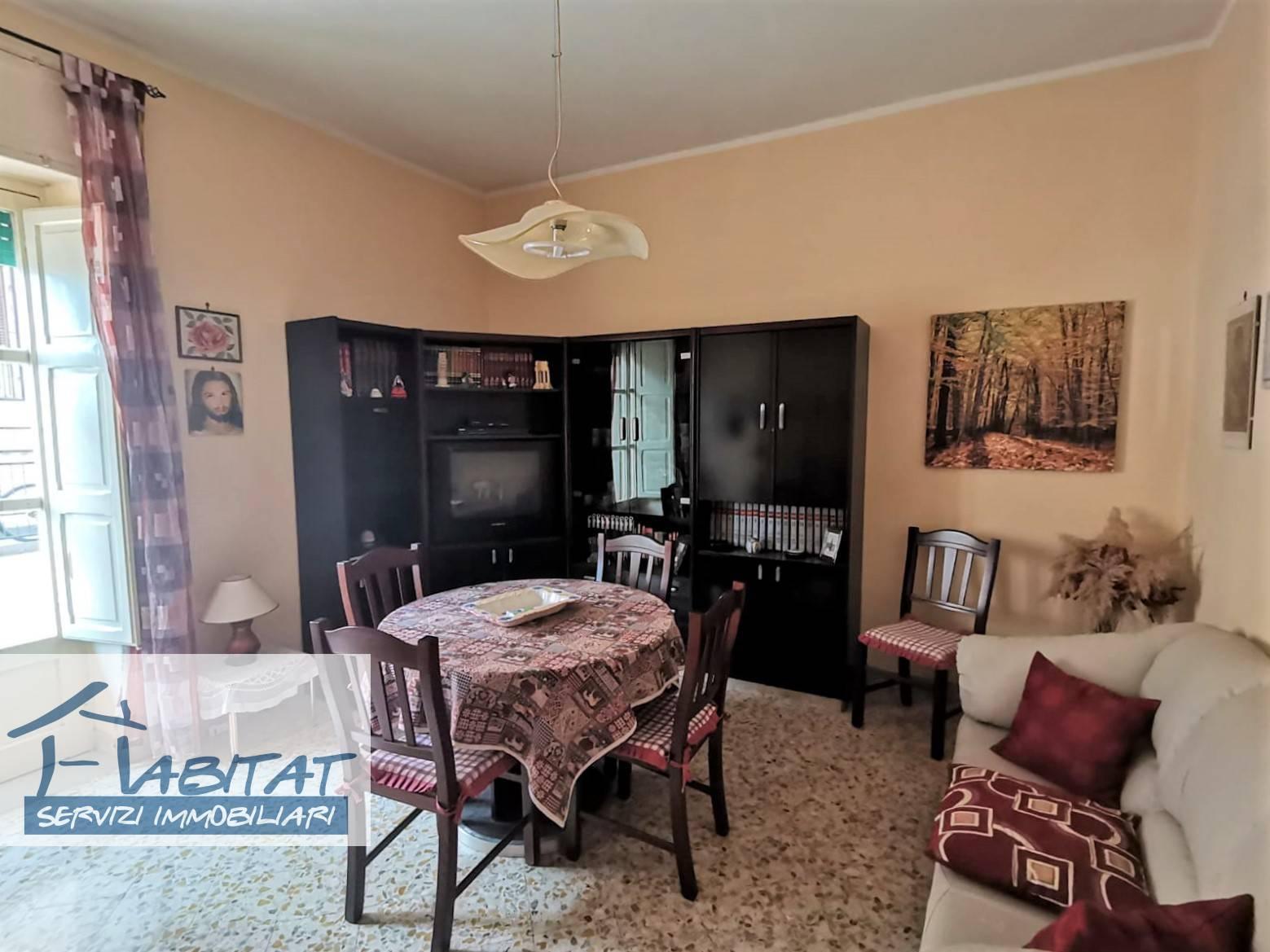 Appartamento in vendita a Agrigento, 5 locali, zona ro, prezzo € 100.000 | PortaleAgenzieImmobiliari.it