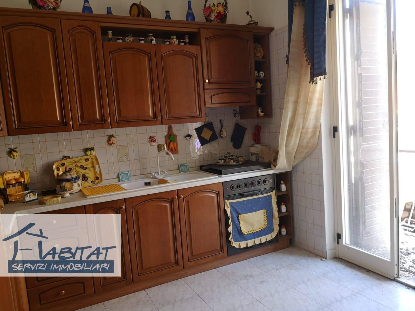 Appartamento in vendita a Agrigento, 5 locali, zona ro, prezzo € 50.000 | PortaleAgenzieImmobiliari.it