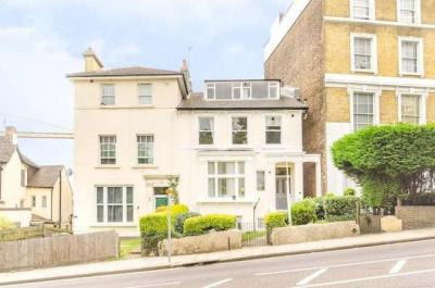Apartment for Sale in Bromley