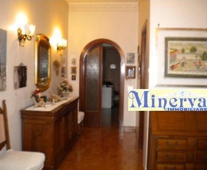 Villa in vendita a Nettuno, 8 locali, prezzo € 550.000 | Cambio Casa.it