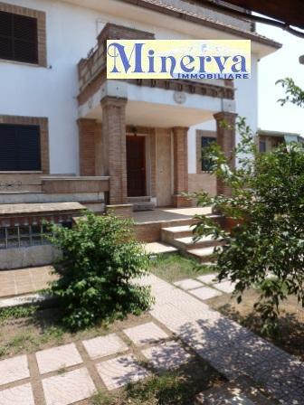 Appartamento in affitto a Anzio, 3 locali, zona Località: LavinioLidodiEnea, prezzo € 500 | Cambio Casa.it