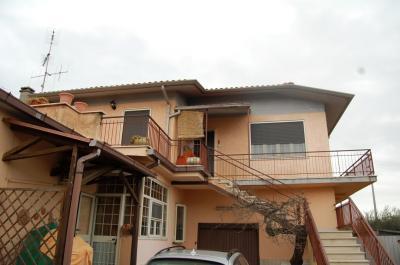 villa Bifamiliare in Vendita a Velletri