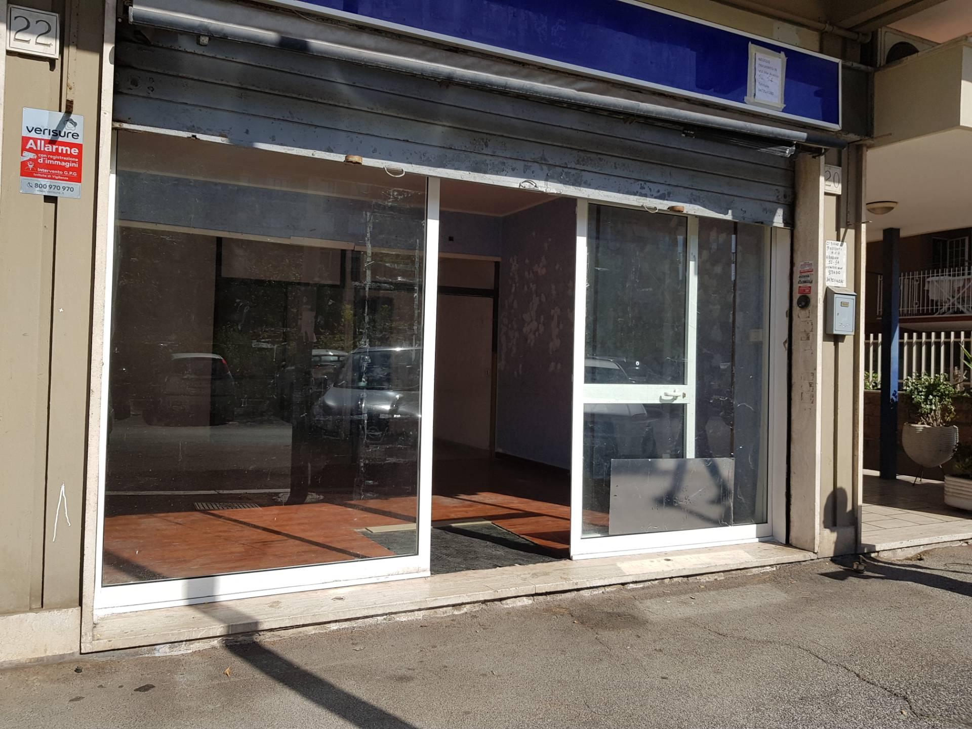 Locale commerciale in affitto a roma cod al c for Affitto roma locale