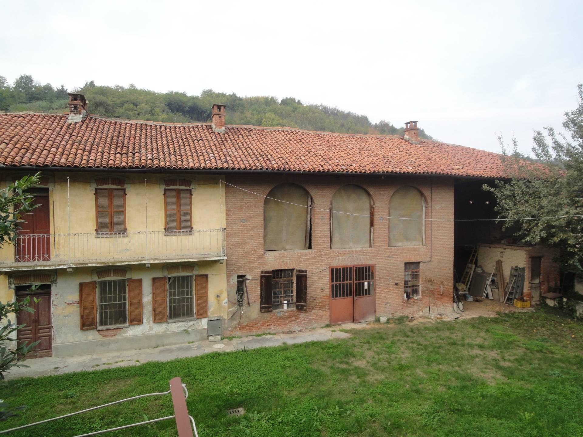 Soluzione Indipendente in vendita a Santa Vittoria d'Alba, 6 locali, prezzo € 90.000   PortaleAgenzieImmobiliari.it