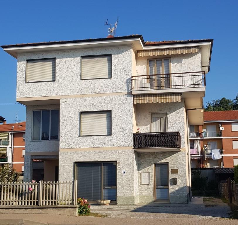 Villa Bifamiliare in vendita a Santa Vittoria d'Alba, 12 locali, prezzo € 220.000   PortaleAgenzieImmobiliari.it