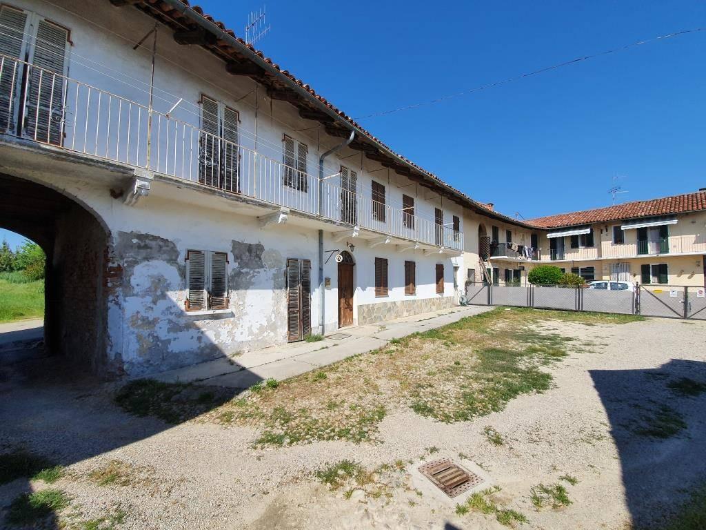 Soluzione Indipendente in vendita a Santa Vittoria d'Alba, 7 locali, prezzo € 115.000   PortaleAgenzieImmobiliari.it