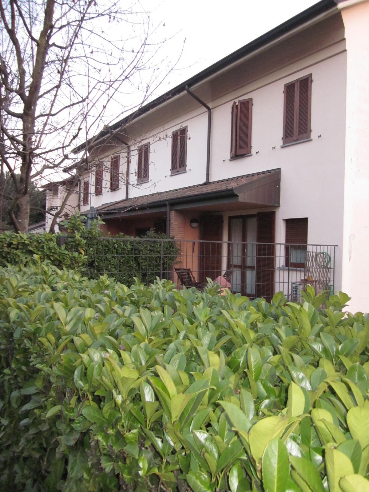 Arese | Villetta a Schiera in Vendita in Via Sandro Pertini | lacasadimilano.it