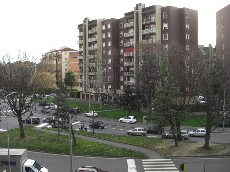 Bilocale Milano Piazza Amati Carlo 7