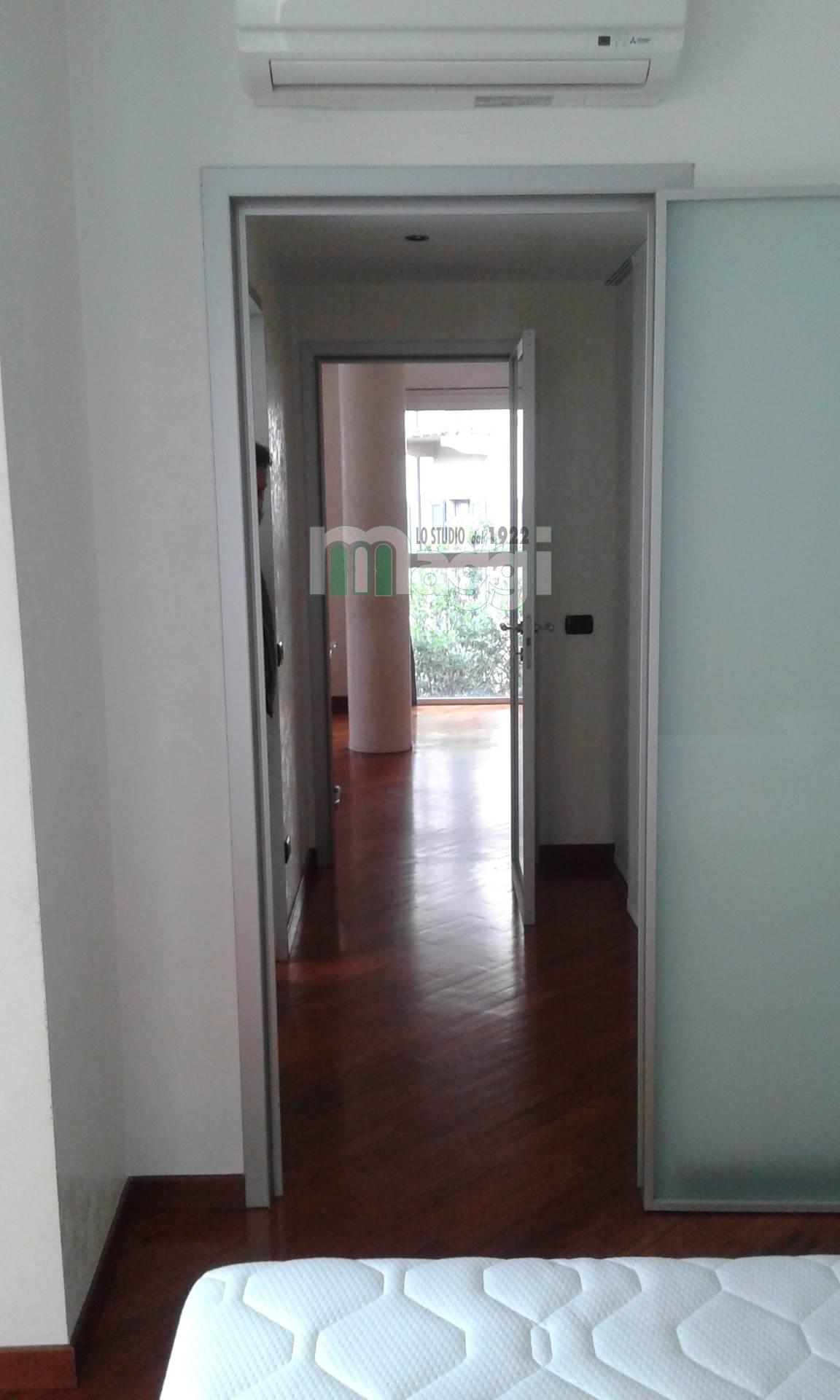 Bilocale Milano Via Santa Lucia 7