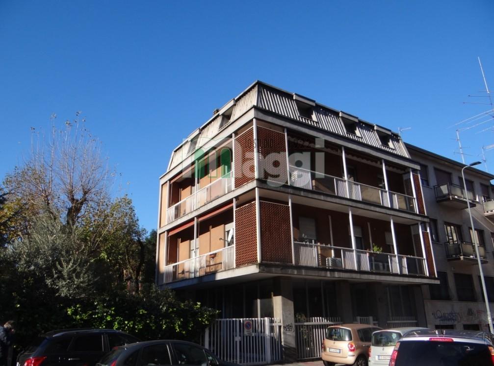 Palazzo / Stabile in vendita a Milano, 9999 locali, zona Zona: 11 . Barona, Giambellino, Lorenteggio, Famagosta, prezzo € 780.000   Cambio Casa.it