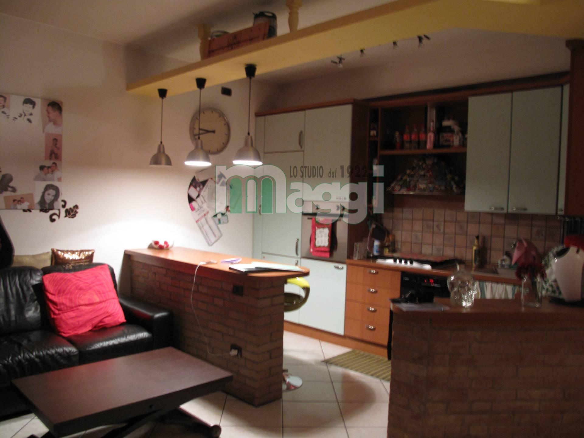 Appartamento in vendita a Corsico, 3 locali, zona Località: CENTRO, prezzo € 170.000 | Cambio Casa.it