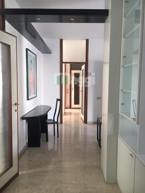 Appartamento in affitto a Milano, 3 locali, zona Località: P.taVenezia, prezzo € 1.700 | Cambio Casa.it