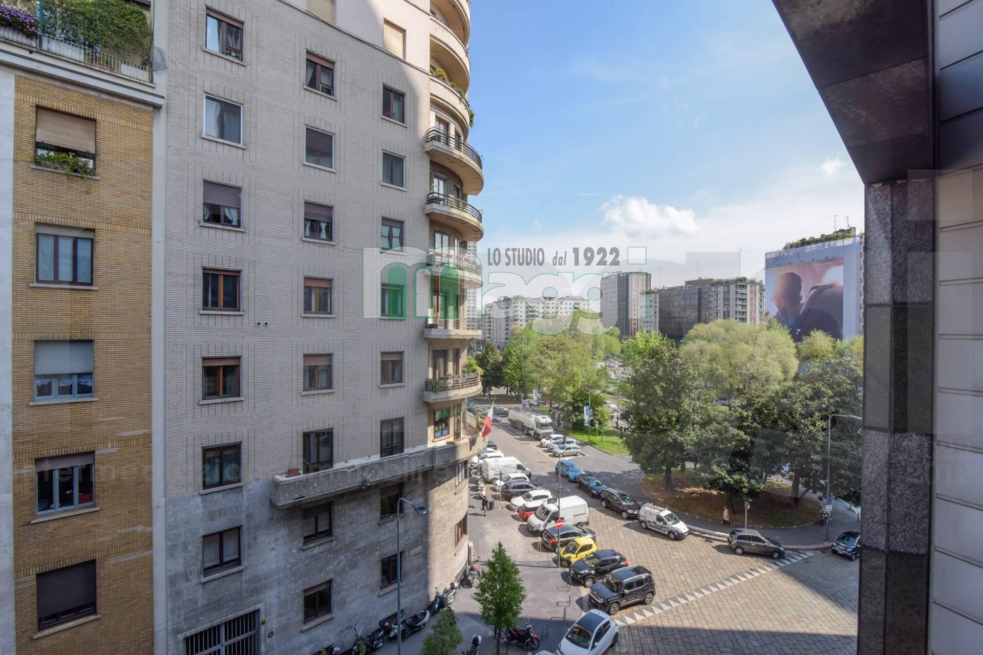 Appartamento in vendita a Milano, 2 locali, zona Località: Repubblica, prezzo € 380.000 | Cambio Casa.it