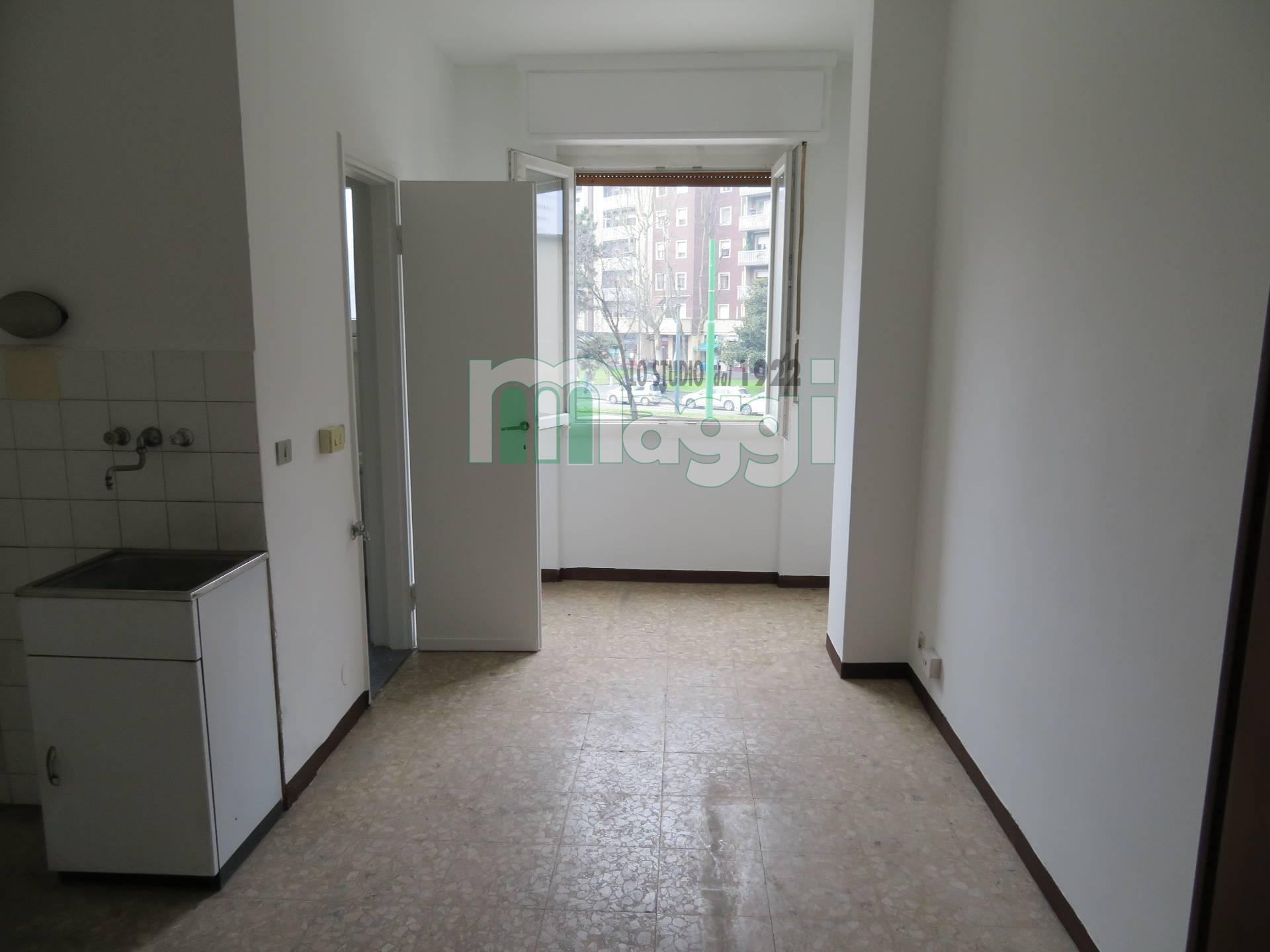 Milano | Appartamento in Affitto in Piazza Amati Carlo | lacasadimilano.it