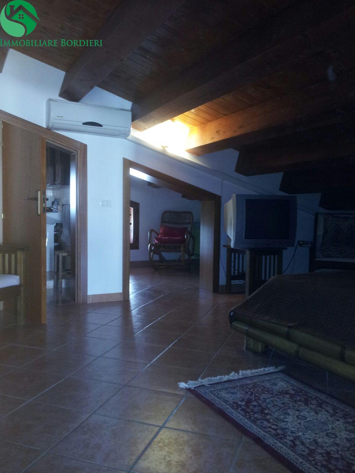 Attico / Mansarda in affitto a Siracusa, 2 locali, zona Località: Arenella, prezzo € 350 | Cambio Casa.it