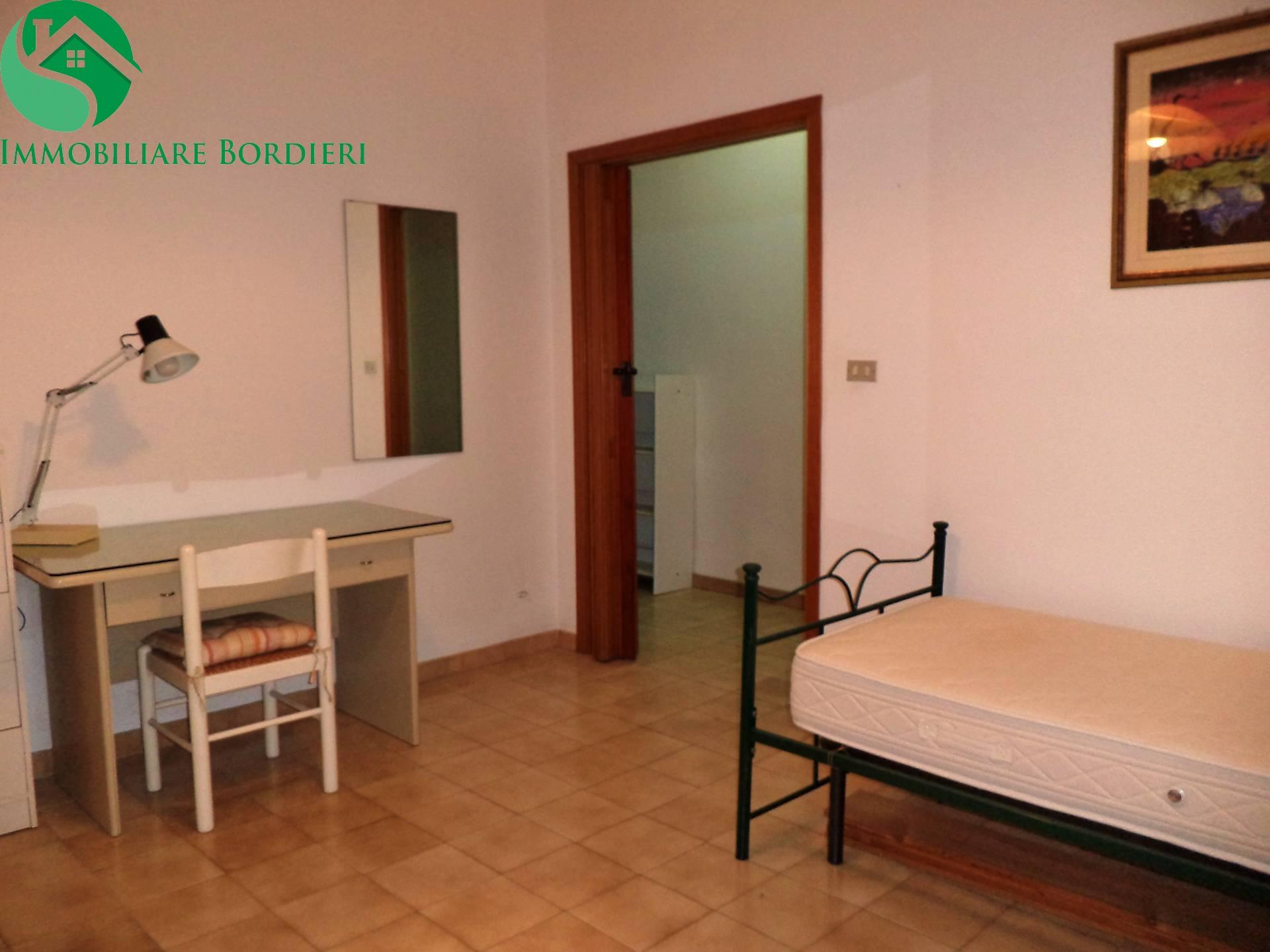 Appartamento in affitto a Siracusa, 4 locali, zona Località: ScalaGreca, prezzo € 600 | Cambio Casa.it
