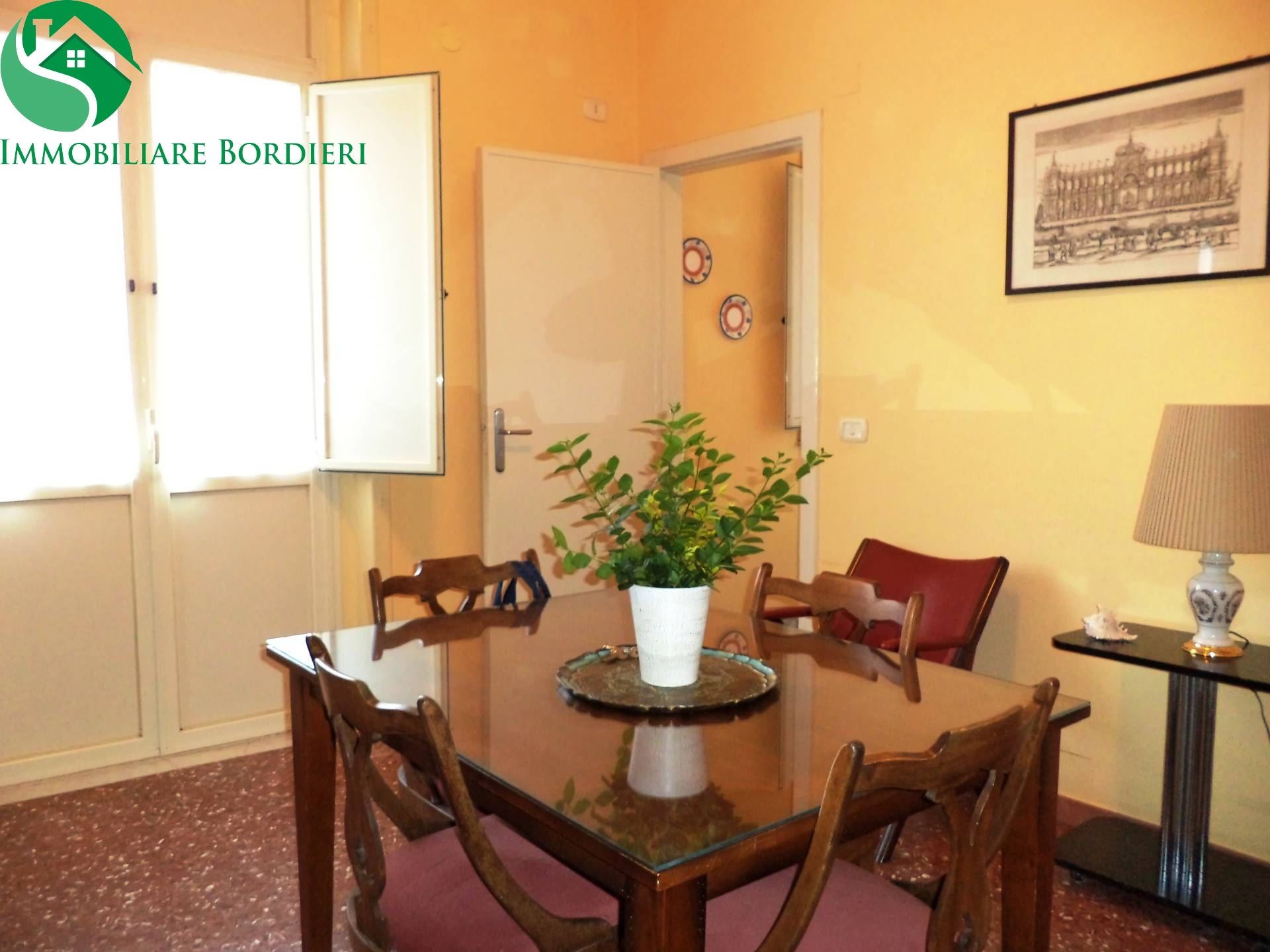 Soluzione Indipendente in affitto a Siracusa, 2 locali, zona Zona: Gelone, prezzo € 450   Cambio Casa.it