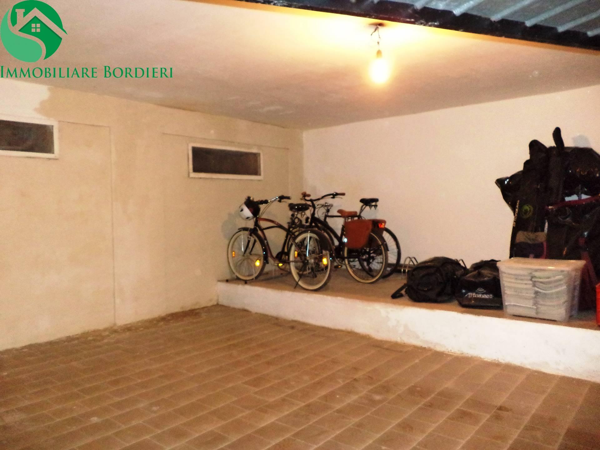 Box / Garage in vendita a Siracusa, 1 locali, zona Località: SanGiovanni, prezzo € 18.000 | CambioCasa.it