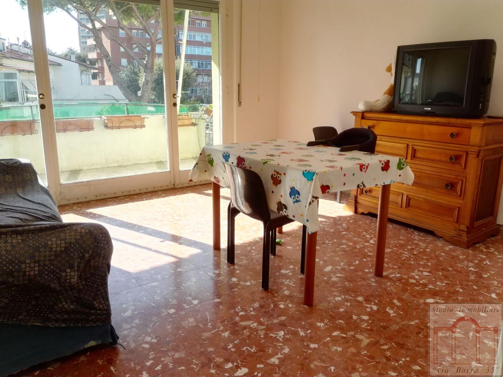 Appartamento in vendita a Livorno, 4 locali, zona Località: Centroresidenziale, prezzo € 160.000 | Cambio Casa.it