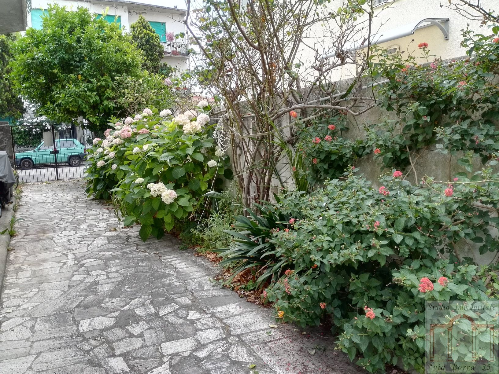 Casa semindipendente in vendita a ardenza livorno case - Case in affitto con giardino livorno ...