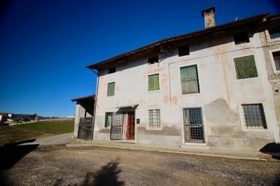 Casa di corte in Vendita a Castelgomberto