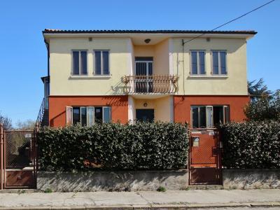 Porzione di bifamiliare in Vendita a Montecchio Maggiore