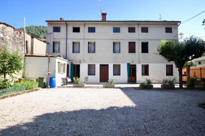 Casa di corte in Vendita a Montecchio Maggiore