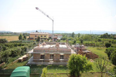 Villetta a schiera di testa in Vendita a Montecchio Maggiore