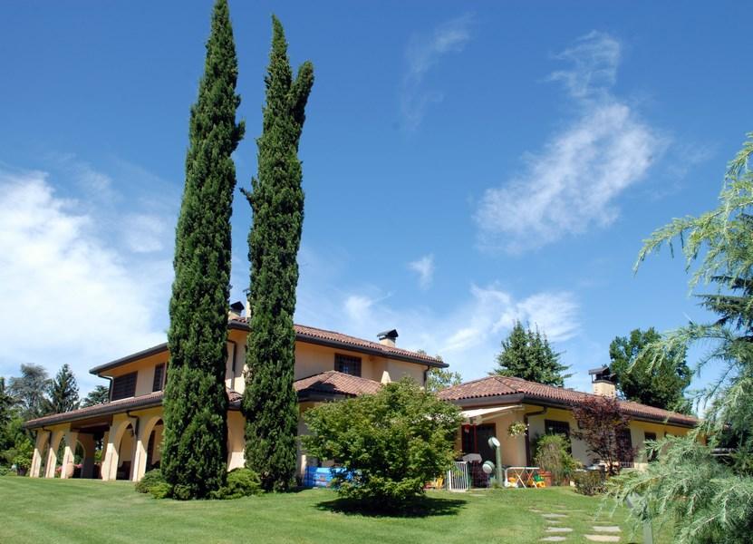 Villa in vendita a Lesmo, 10 locali, Trattative riservate | Cambio Casa.it