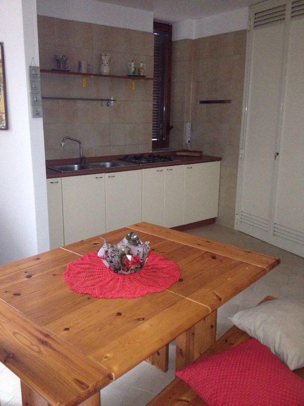 Soluzione Indipendente in affitto a Pellezzano, 2 locali, zona Zona: Capriglia, prezzo € 250 | Cambio Casa.it