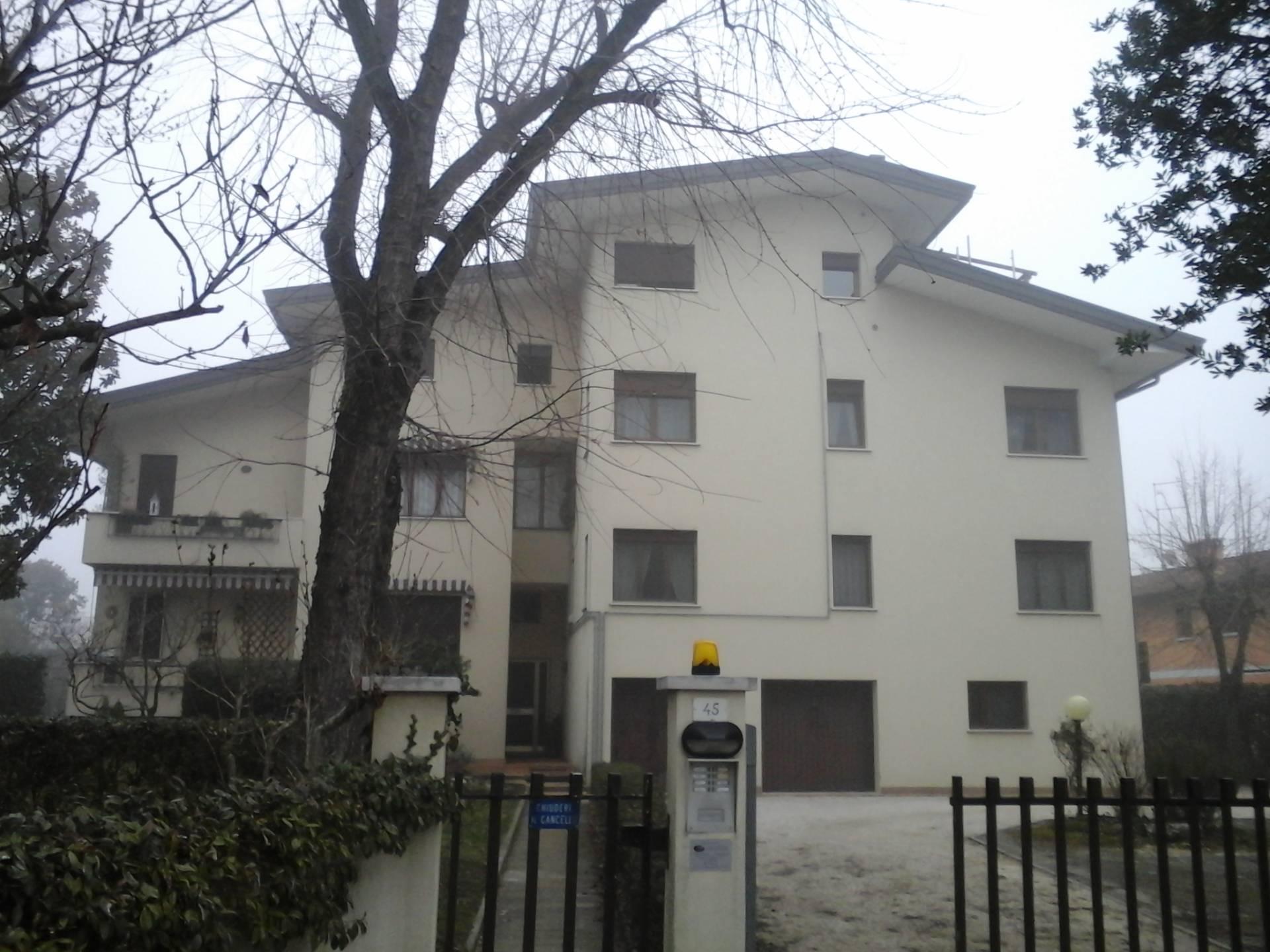 Appartamento in vendita a Casier, 5 locali, zona Località: DossondiCasier, prezzo € 130.000 | Cambio Casa.it