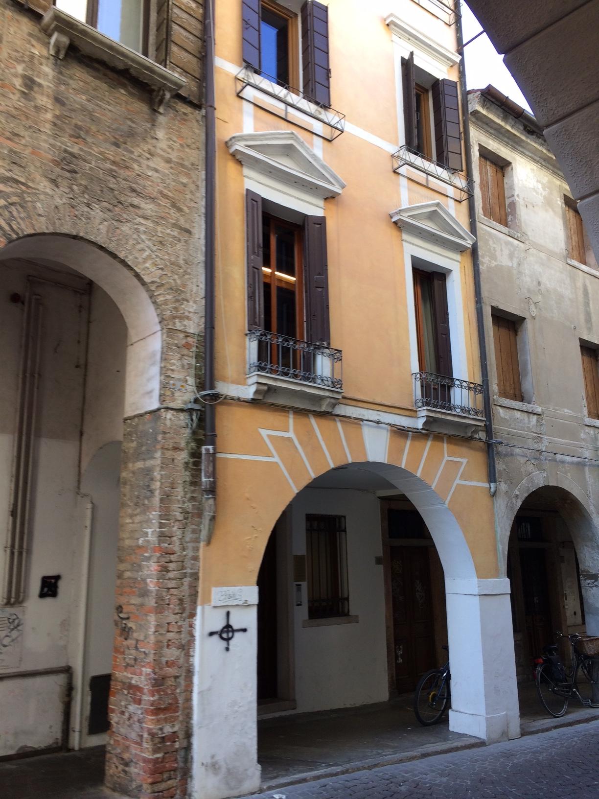 Palazzo / Stabile in vendita a Treviso, 7 locali, zona Località: Centrostorico, Trattative riservate | CambioCasa.it