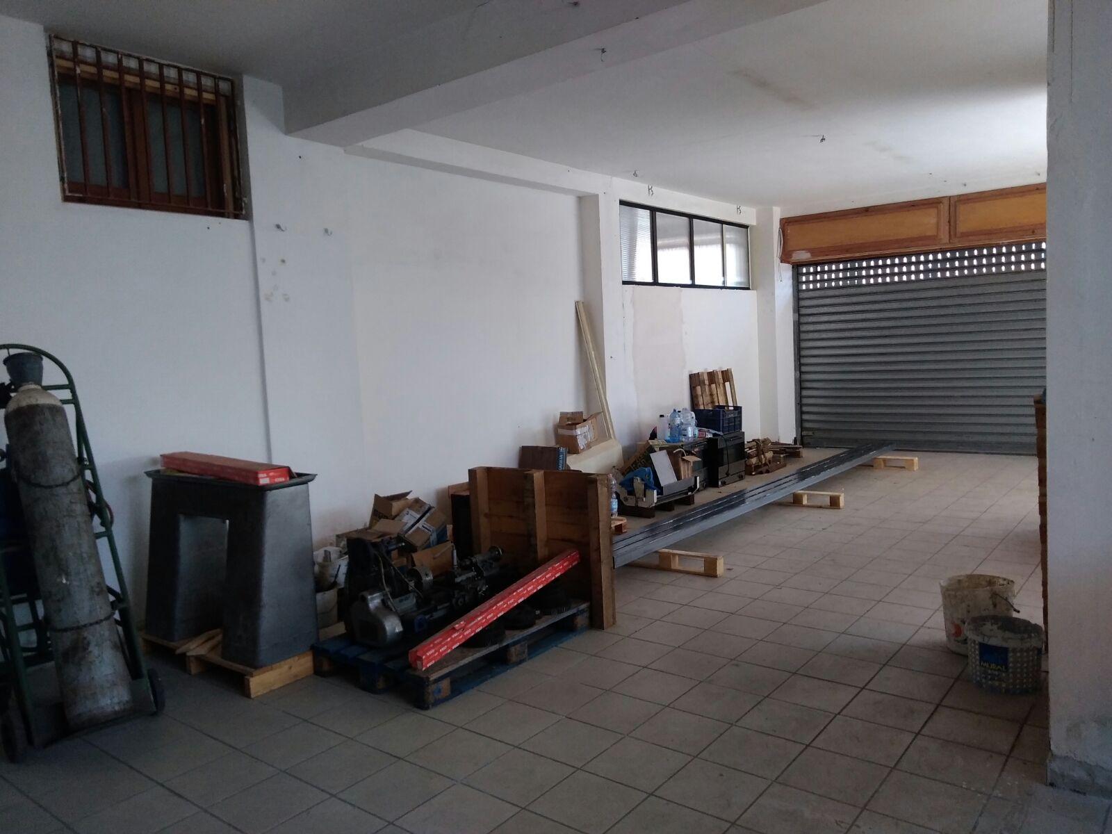 Negozio / Locale in affitto a Pellezzano, 9999 locali, prezzo € 700 | CambioCasa.it