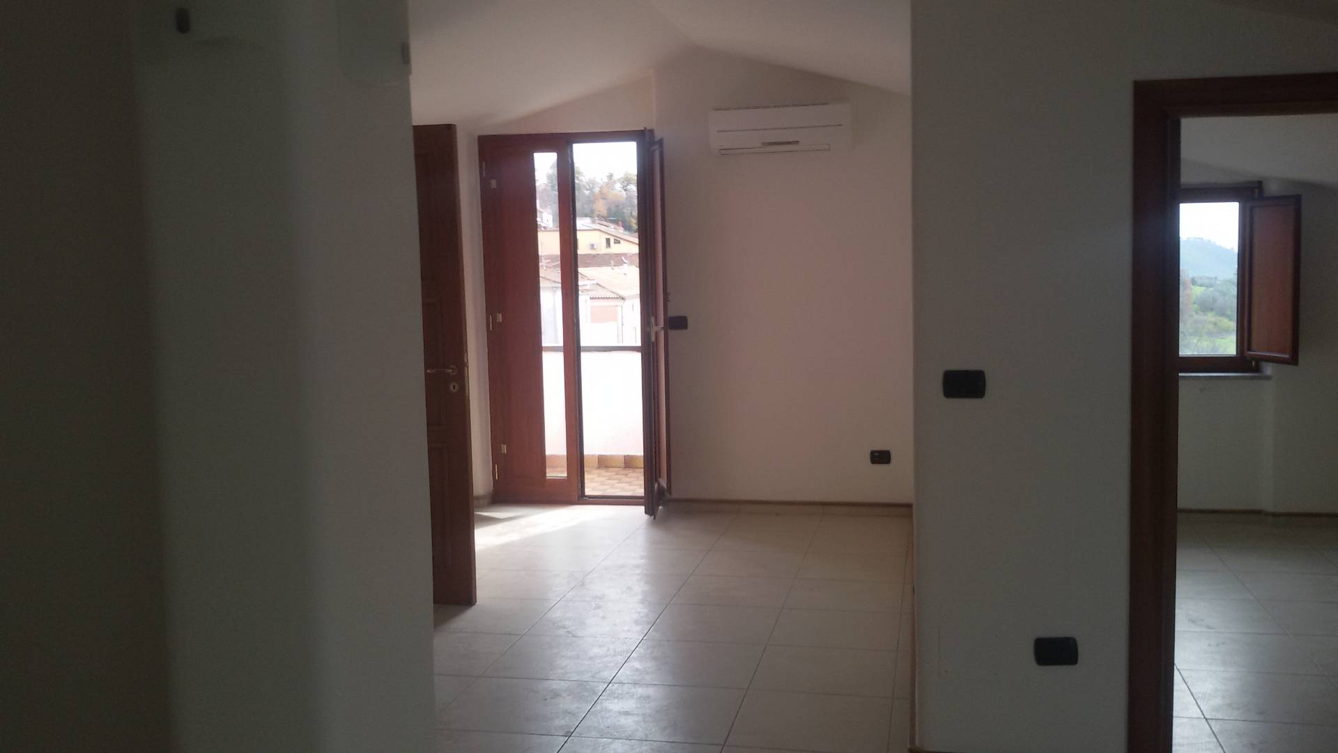Attico / Mansarda in affitto a San Mango Piemonte, 3 locali, prezzo € 350 | CambioCasa.it