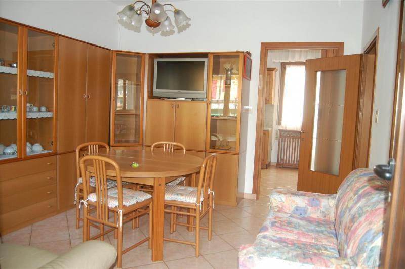 Villa in vendita a Jesolo, 3 locali, zona Località: PiazzaTorino, Trattative riservate | Cambio Casa.it