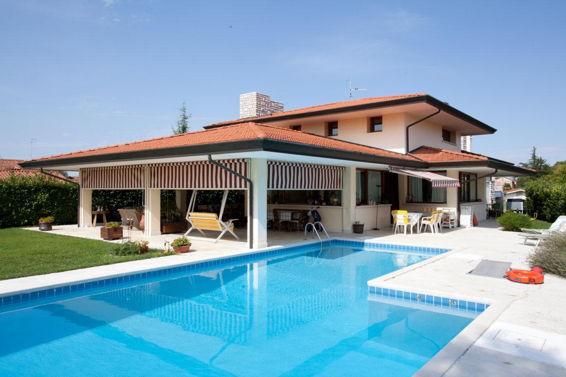 Villa in vendita a San Vito al Tagliamento, 11 locali, zona Zona: Ligugnana, prezzo € 450.000   CambioCasa.it