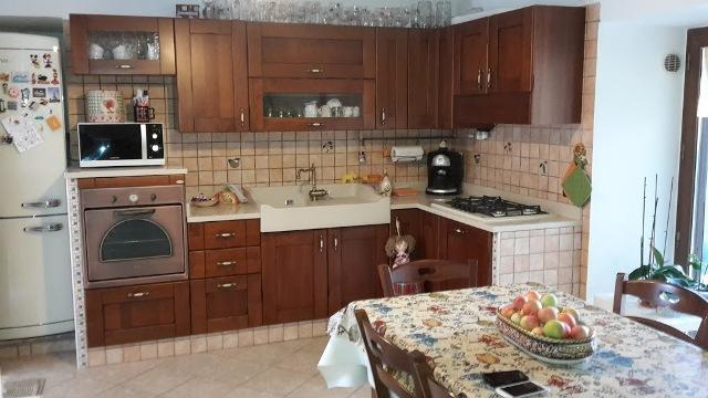 vendita casa manoppello   63000 euro  5 locali  72 mq
