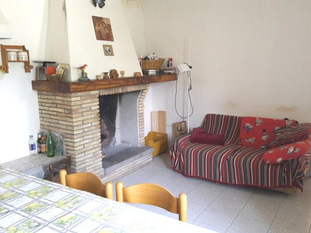 Soluzione Semindipendente in vendita a Roccamontepiano, 7 locali, zona Zona: Molino, prezzo € 95.000 | CambioCasa.it