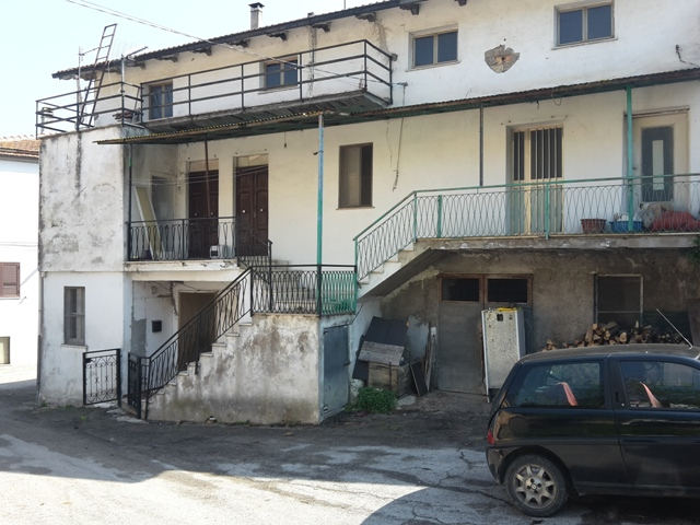 Soluzione Semindipendente in vendita a Roccamontepiano, 5 locali, zona Zona: Reginaldo, prezzo € 50.000 | CambioCasa.it